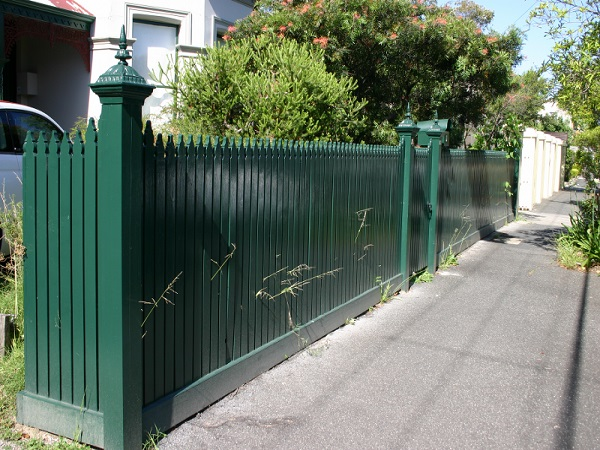 Cheap Fence Installer in Airport West