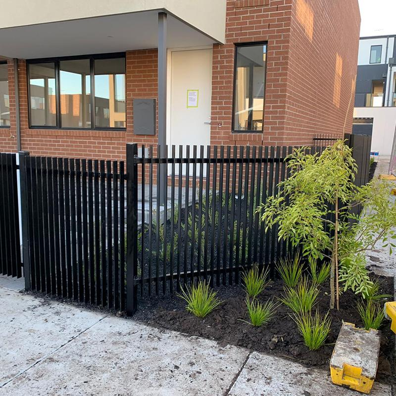 Cheap Fence Installer in Essendon