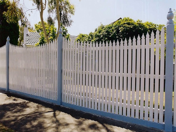 Fence Installer in Airport West