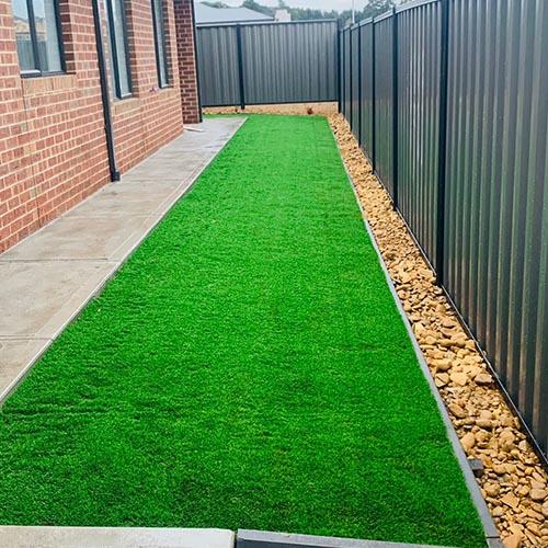 Fake grass installer in Melbourne